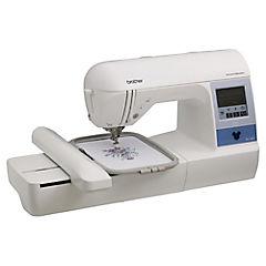 Máquina de bordar PE780D