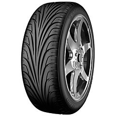 Neumático 215/40 zR18