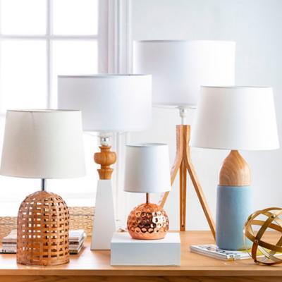 Lámparas de Mesa y Escritorio