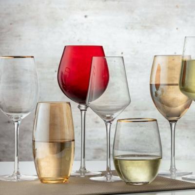 Vasos, copas y botellas