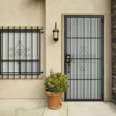 Protecciones para puertas for Puertas decorativas para interiores