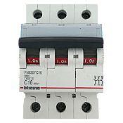 Interruptor Termomagnético 3x16 A