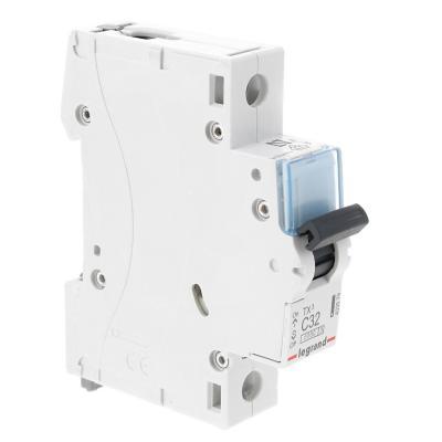 Interruptor automático 32 A curva C 6KA
