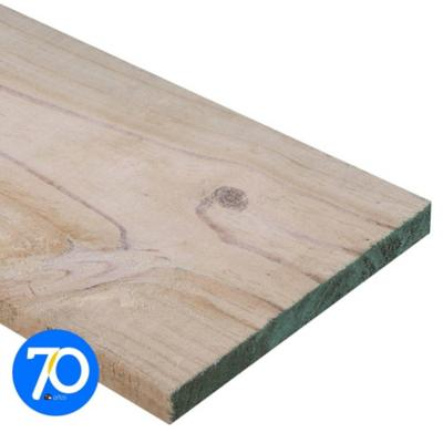 1 x 8 x 3,20 m Pino dimensionado verde