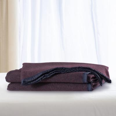 Frazada lana doble faz especial 1.5p burdeo blanco