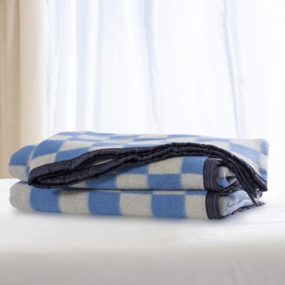 Frazada 100% lana cuadro grande 1.5p celesteblanco