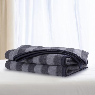 Frazada lana color listada 1.5 plaza gris marengo