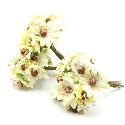 Flor margarita con pistilo 144 unidades crudo