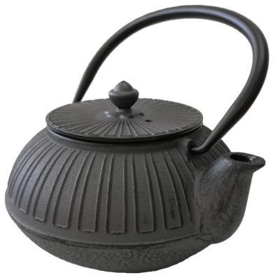 Tetera fierro fundido con filtro 0.65 litros negro