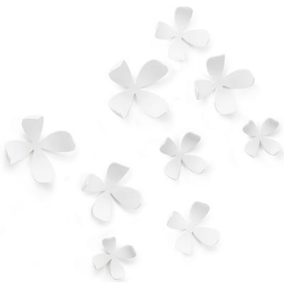 Flores blanca pared