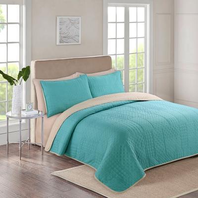Quilt + sábanas bicolor king verde/beige