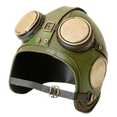 Figura decorativa casco piloto metal 16 cm verde
