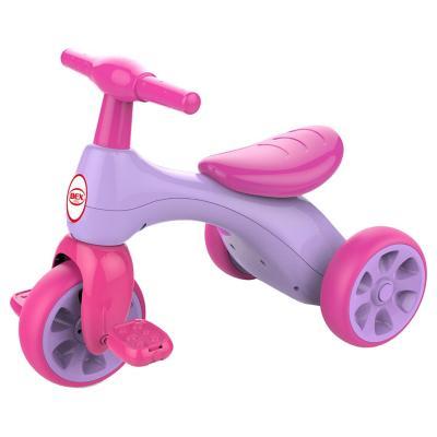 Triciclo rosa con pedal