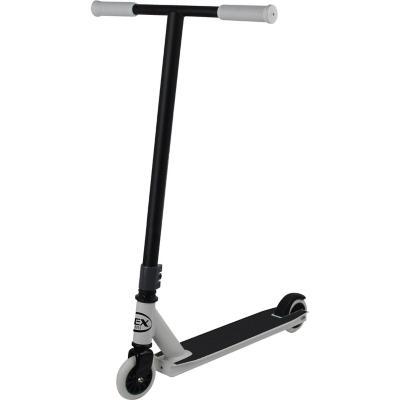 Scooter de salto blanco