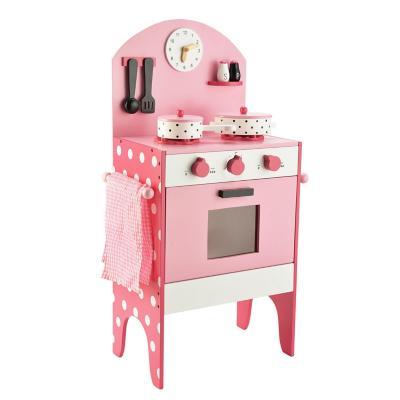 Cocina madera con accesorios rosado