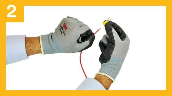 Paso 2 para una conexión segura contra descargas eléctricas