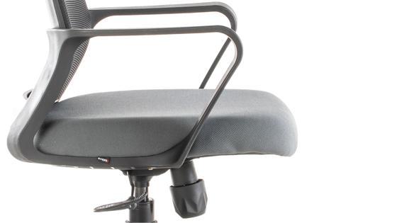 Brazo, asiento y mecanismo de la silla operativa FORTE de Mikra