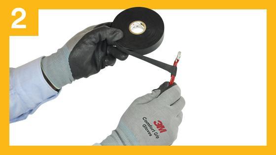 Cubra con cinta de goma autofundente el área del conductor estañado en dos o más capas a medio traslape.