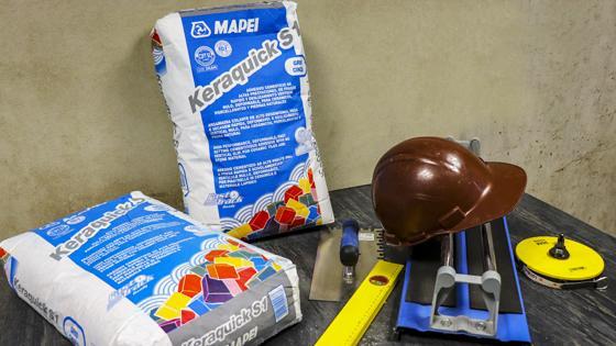 Keraquick Adhesivo en polvo, Mapei (C2FTS1) cerámico, cementicio mejorado (C2) de altas prestaciones, (F) fraguado rápido, resistente al deslizamiento (T) TIXOPROPICO y deformable (S1). Recomendado para revestimientos de grandes formatos, secado rápido. cerámica sobre cerámica
