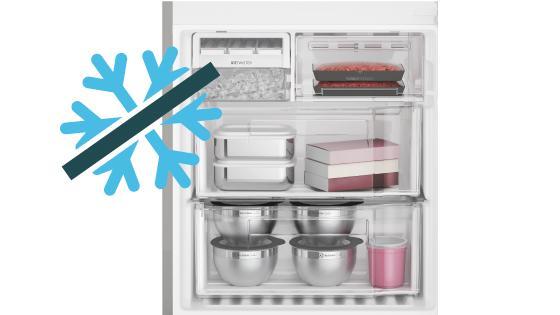 Cuenta con sistema Frost Free (No Frost) de descongelamiento automático, es decir no acumulas escarcha en el freezer.