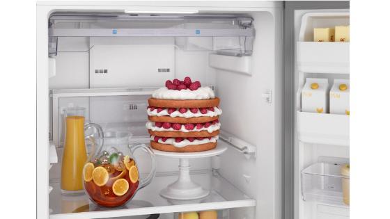 Bandejas adaptables en refrigerador con el refrigerador Fensa DF56S
