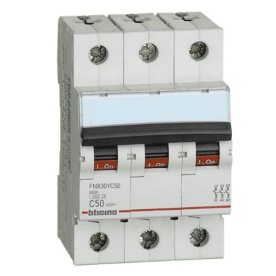 Interruptor Termomagnético 3x50A Bticino