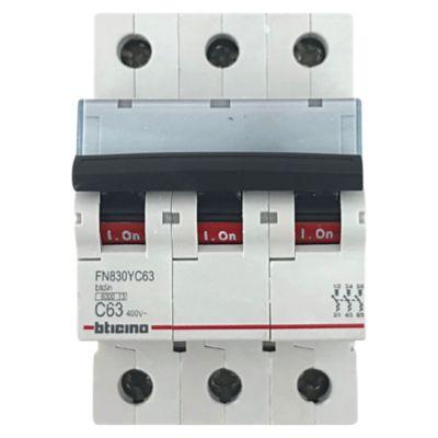 Interruptor Termomagnético 3x63A Bticino