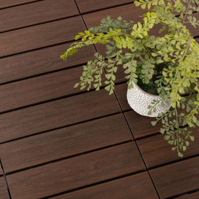 Piso deck WPC madera 30x30cm 0.81 m2