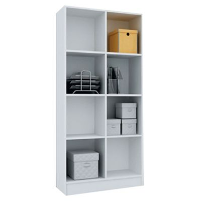 Biblioteca con estantes de MDP blanca