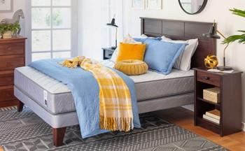 Acogedora y con estilo: cama de media estación