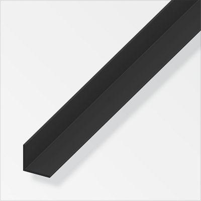 Ángulo parejo liso 15mm PVC negro 2.5m. Protección de esquinas en paredes y columnas.